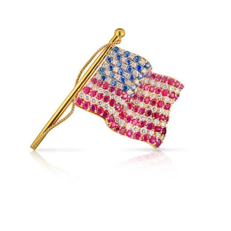 TIFFANY & CO. 18K YELLOW GOLD AMERICAN FLAG WITH